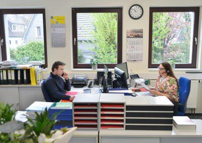 Unser Kundendienstleiter & unsere Sekretärin